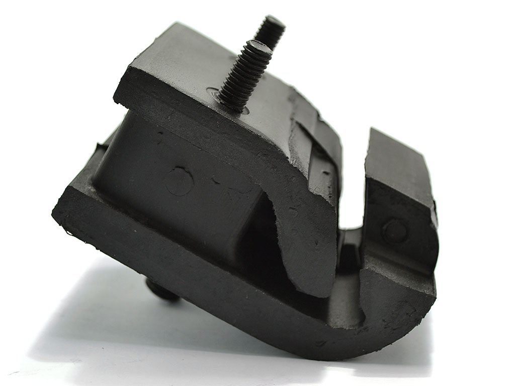 RACE Rear Trans Mount (rubber)